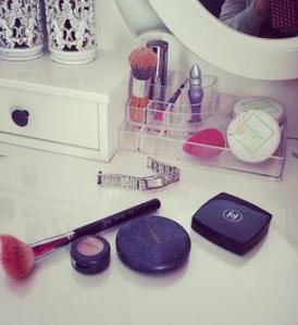 makeup tadel close uo